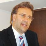 DR. Frank Umbach
